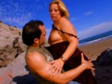 Vidéo porno mobile : Intense and carnal screwing on the beach
